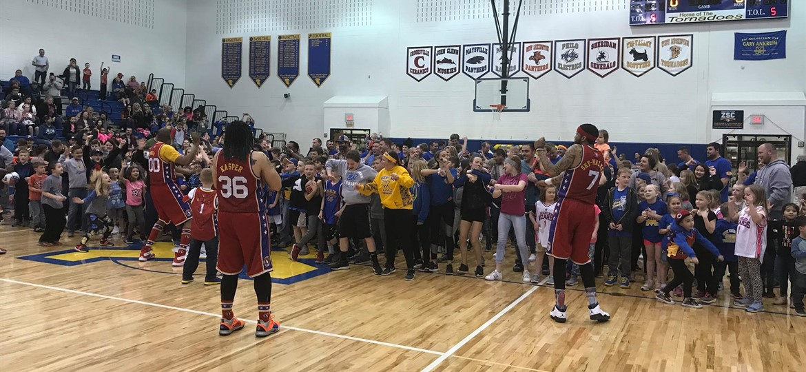 Harlem Wizards Entertain the Crowd
